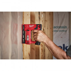 Milwaukee M12 BST-202X tacker