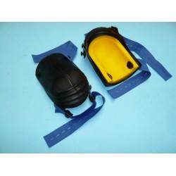 Kniebeschermer NIERHAUS harmonica lang, type 13-VE. Rubber met geel ergonomisch kussen, en blauwe riemen.